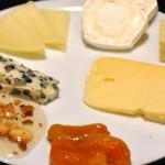 Roquefort, manchego, gedeost, parmesan, Prima Donna, syltet abrikos og honning med ristet hvidløg bycyclonebill, on Flick