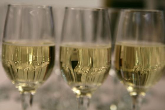Czy białe wino szkodzi?